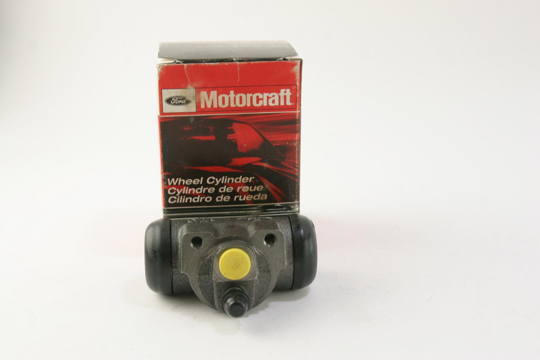 ~ New OEM Motorcraft BRWC31 Ford 1F1Z2V261BA Rear Brake Cylinder - image 1