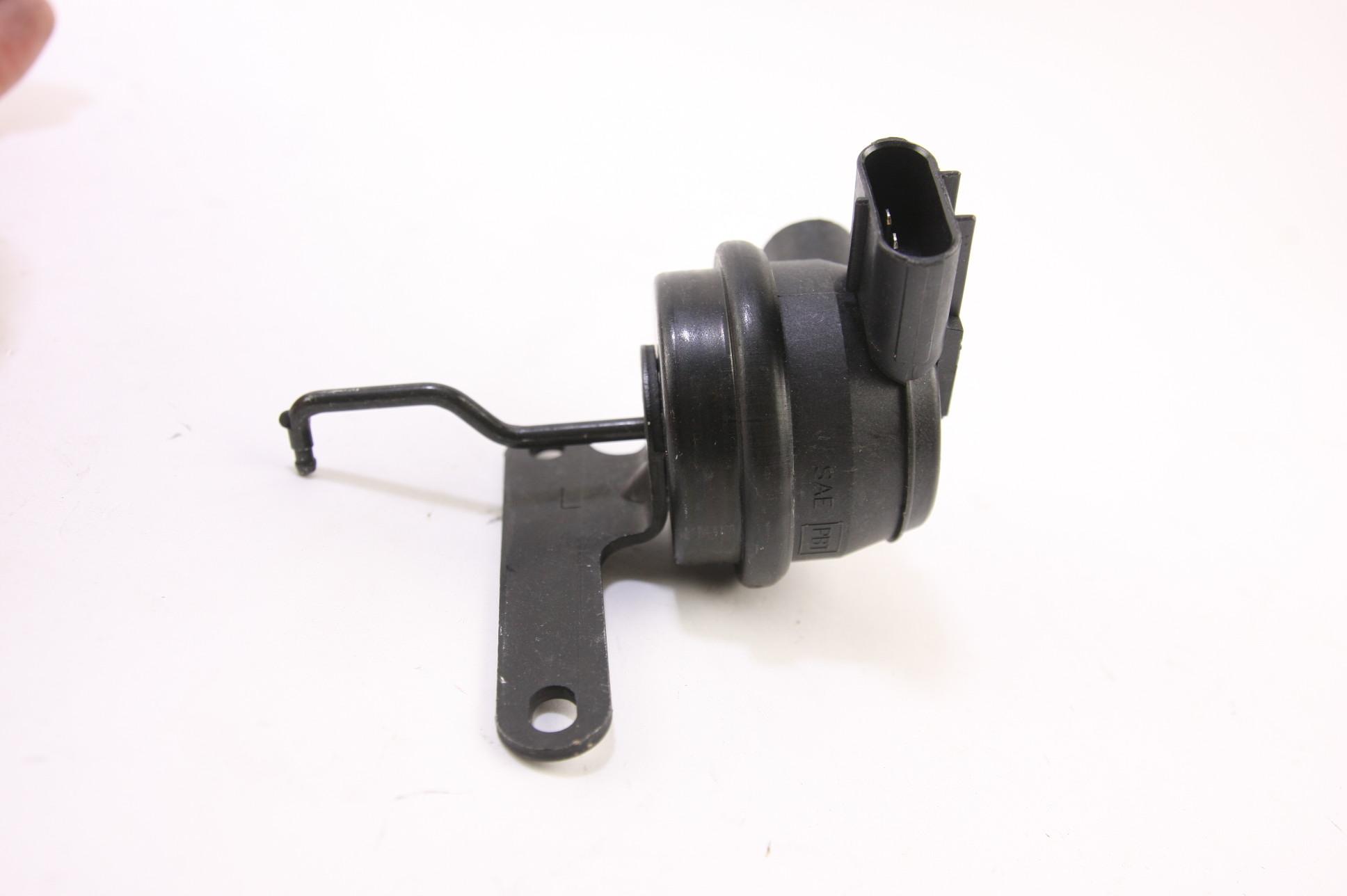 *** New OEM Motorcraft CK2261 F65Z9S514DE Vacuum Breaker Control & Bracket Left - image 4