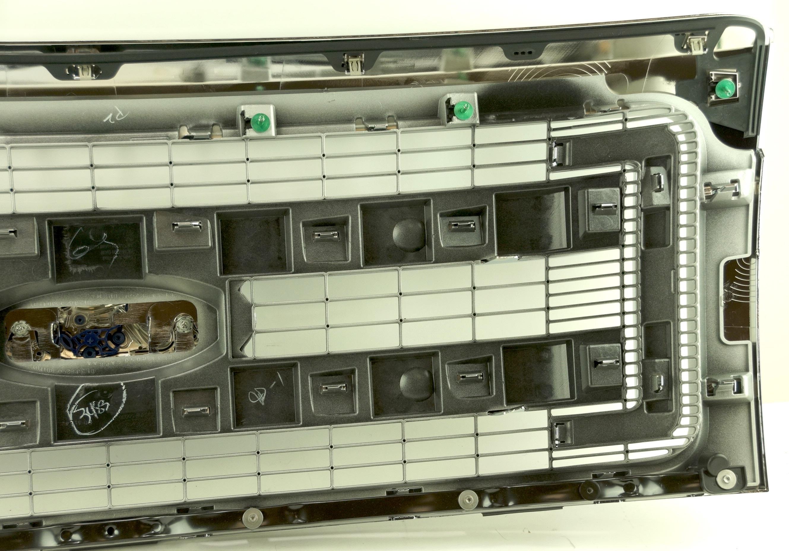 New Genuine OEM DL3Z8200BA Ford Front Grille Assembly w/ Emblem 09-14 F-150 XLT - image 10