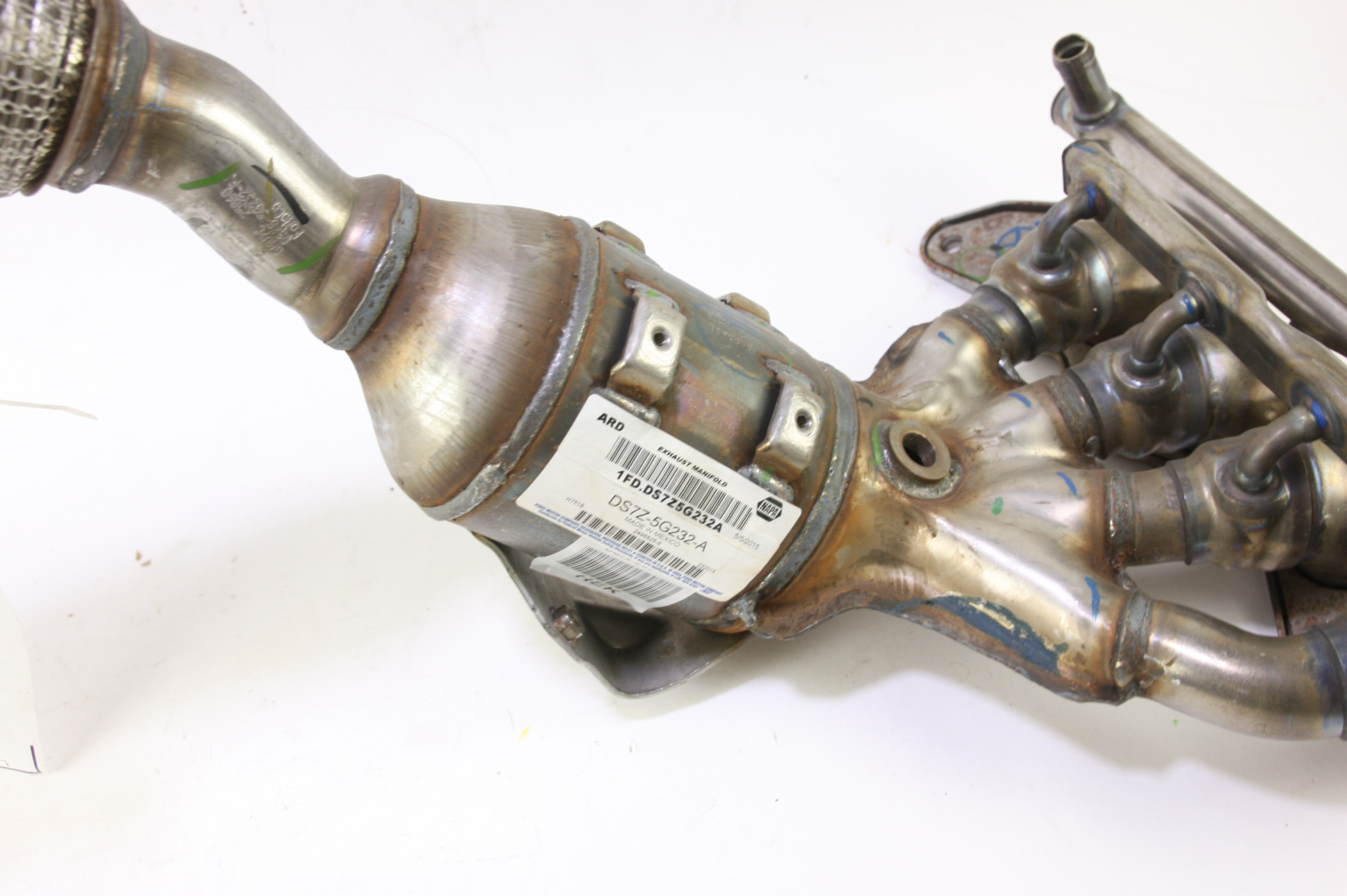 * New OEM DS7Z5G232A Ford Lincoln 13-14 Exhaust Manifold and Catalyst NIP - image 8