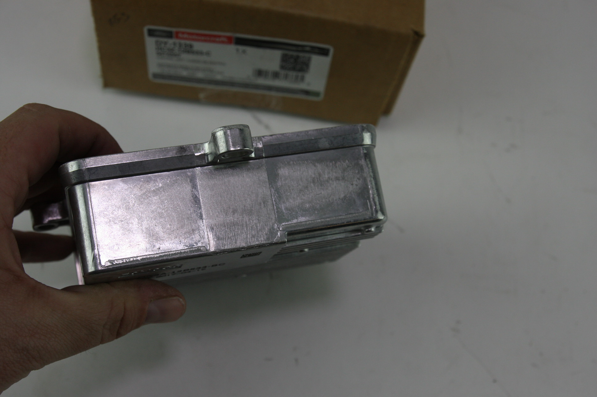 ~ New OEM Motorcraft DY1339 Ford HC3Z12B533C Glow Plug Controller - image 8