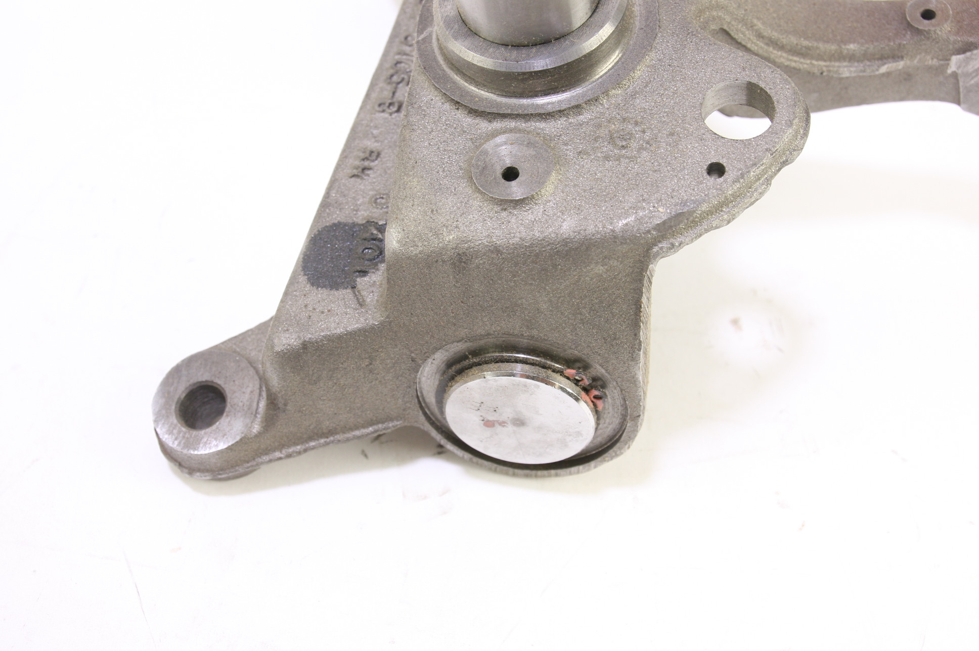 *New OEM F81Z3105BA Ford Front Suspension Steering Knuckle Spindle Free Shipping - image 5