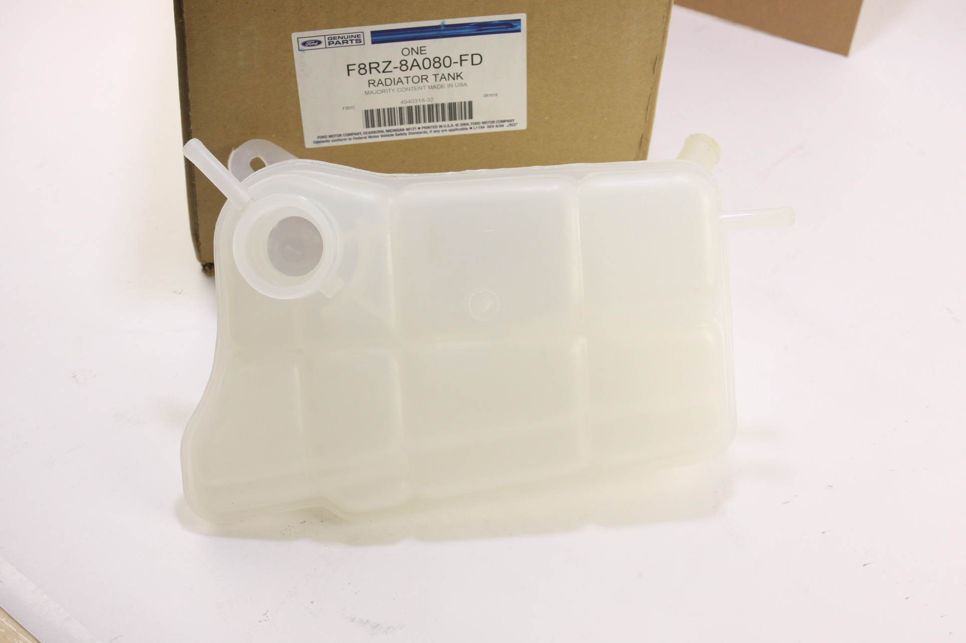 **** New OEM F8RZ8A080FD Ford Radiator Coolant Overflow Tank Recovery Bottle - image 4