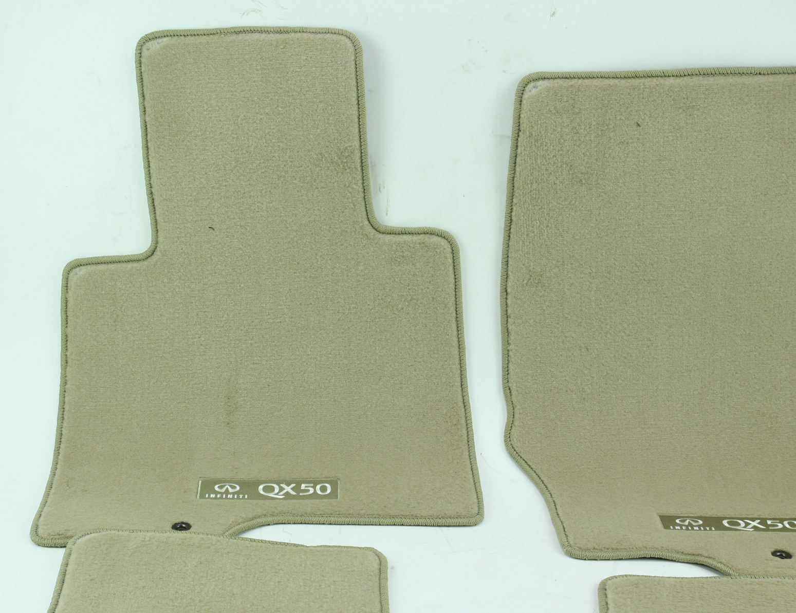 ** Genuine Infiniti Floor Mats Carpeted Wheat Nissan G4900-1UR4J New OEM - image 3