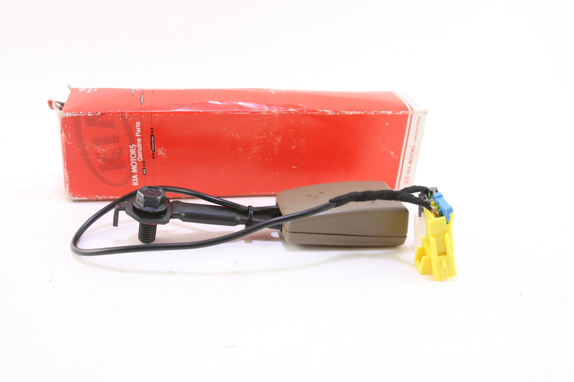 **New Kia OEM K52Y57712EBT 02-03 Sedona Front Seat Belt Buckle LH Free Shipping - image 1