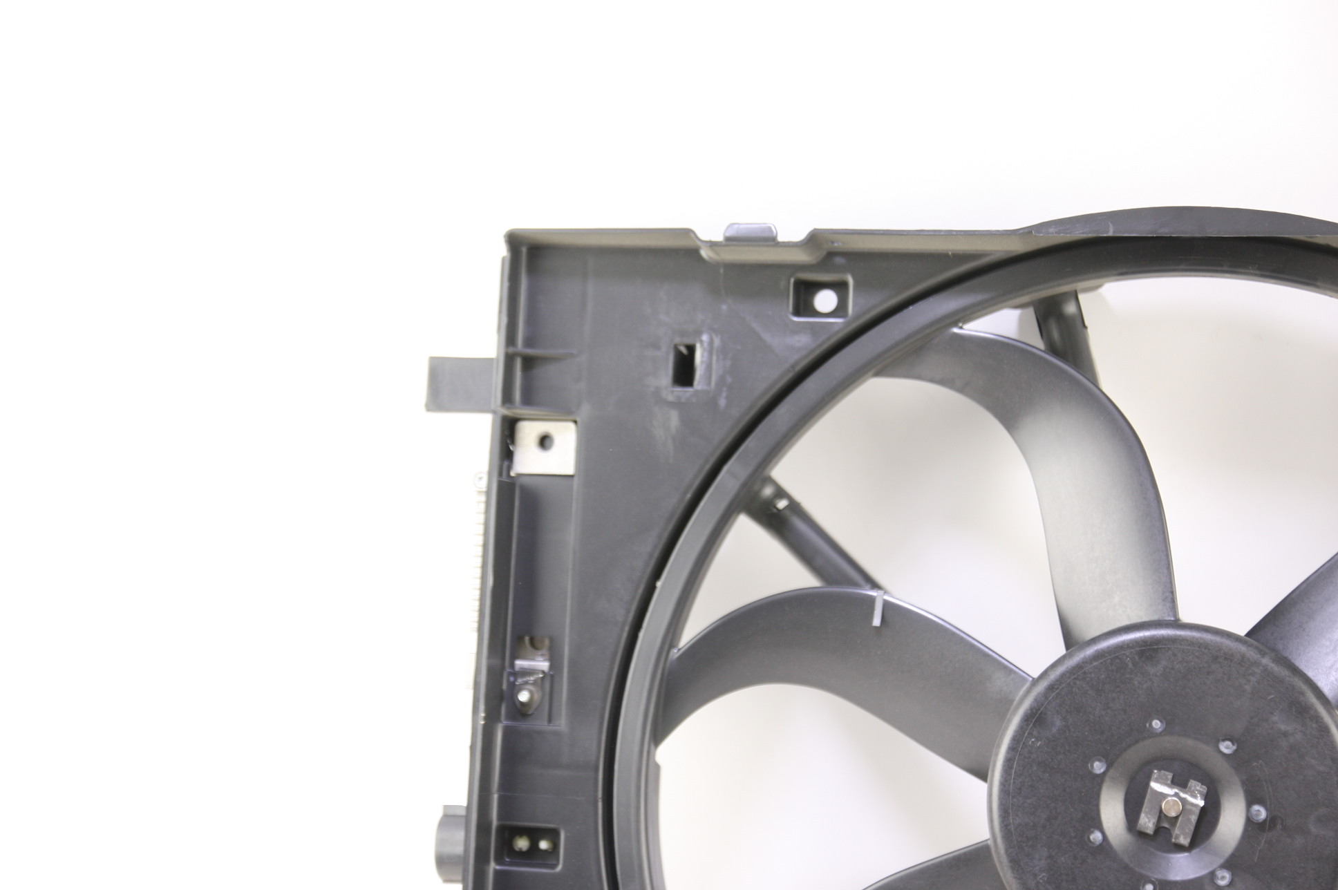 New OEM Motorcraft RF240 7E5Z8C607A Ford Fusion 06-09 Radiator Support & A/C Fan - image 4