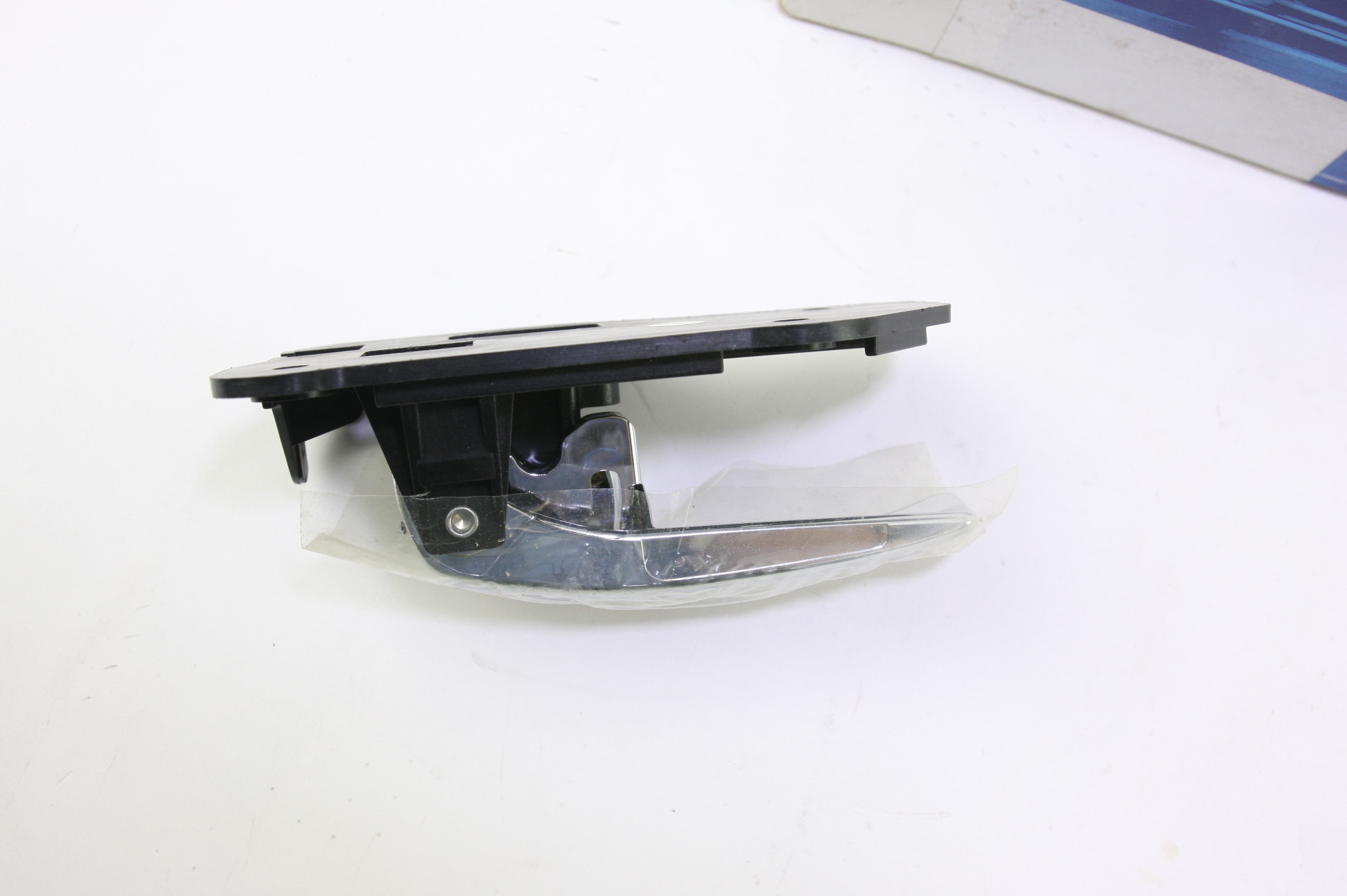 *~ New OEM XW4Z5421818BA Ford Lincoln LS Interior Inside Door Handle Right - image 2