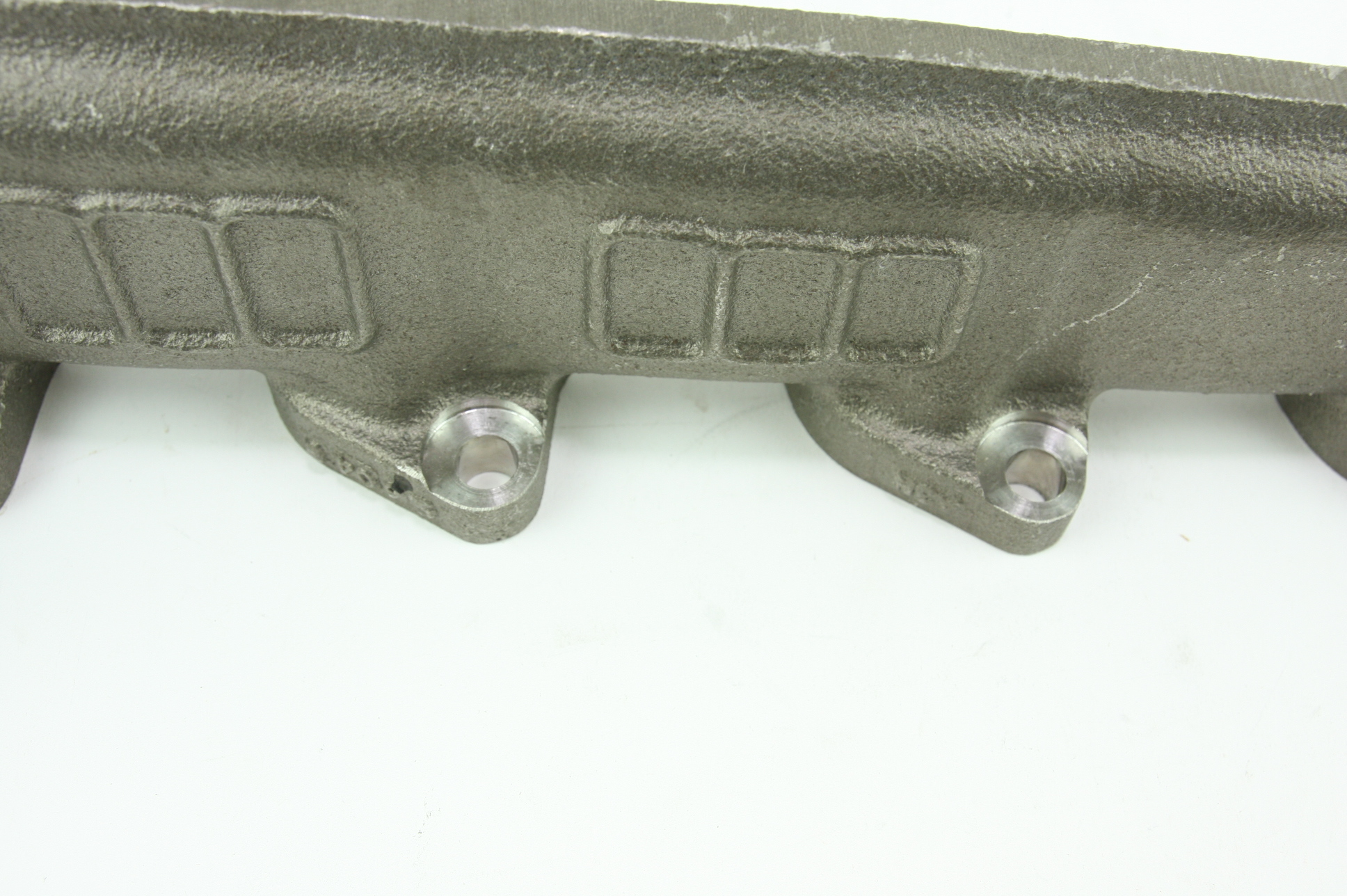 **** New OEM YC2Z9430AA Ford 00-14 Super Duty 6.8L V10 Exhaust Manifold - image 11